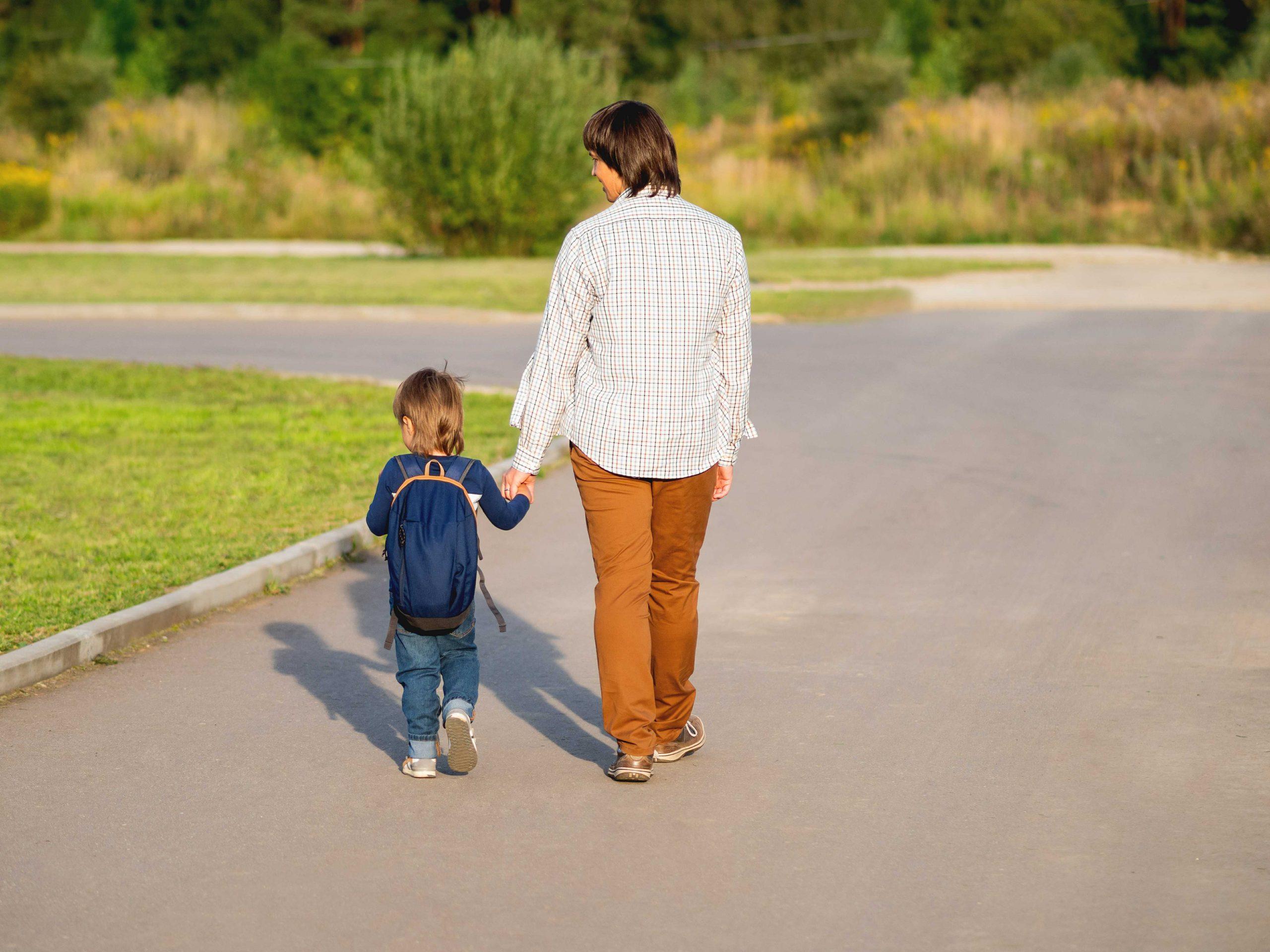 הנחיית הורים כגשר הורה-ילד